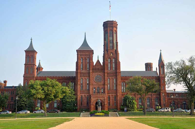 Ten Must See Sights in Washington DC - The Smithsonian Institute